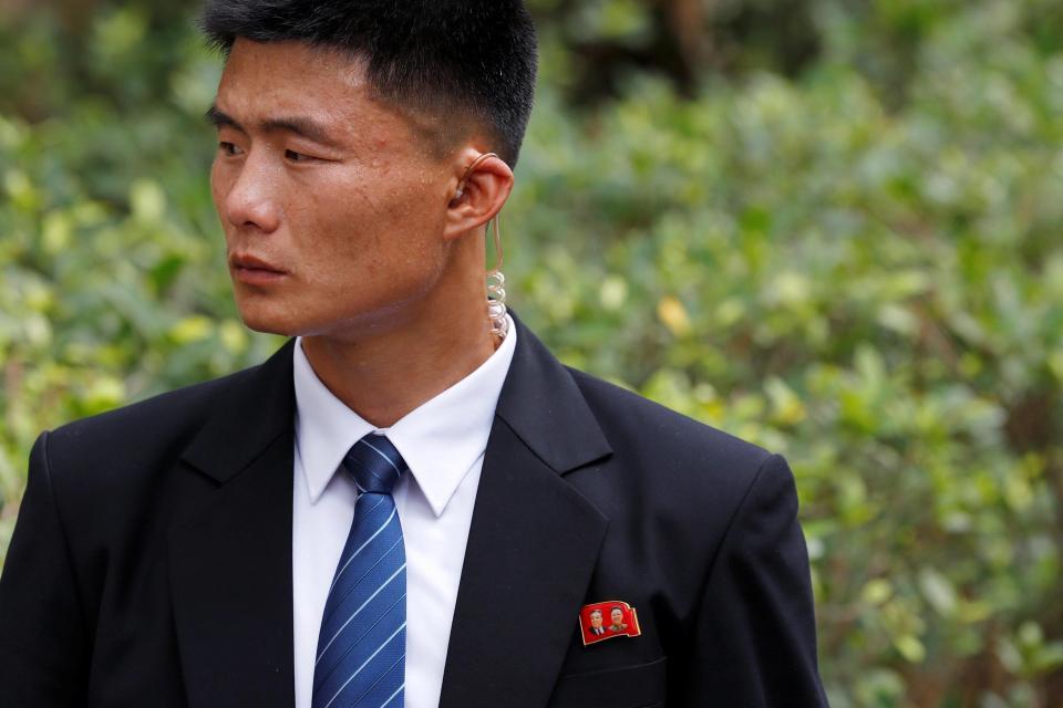 Đội vệ sĩ chạy theo xe chủ tịch Kim Jong-un: Gia thế khủng, lá chắn sống của người đứng đầu Triều Tiên - Ảnh 5.