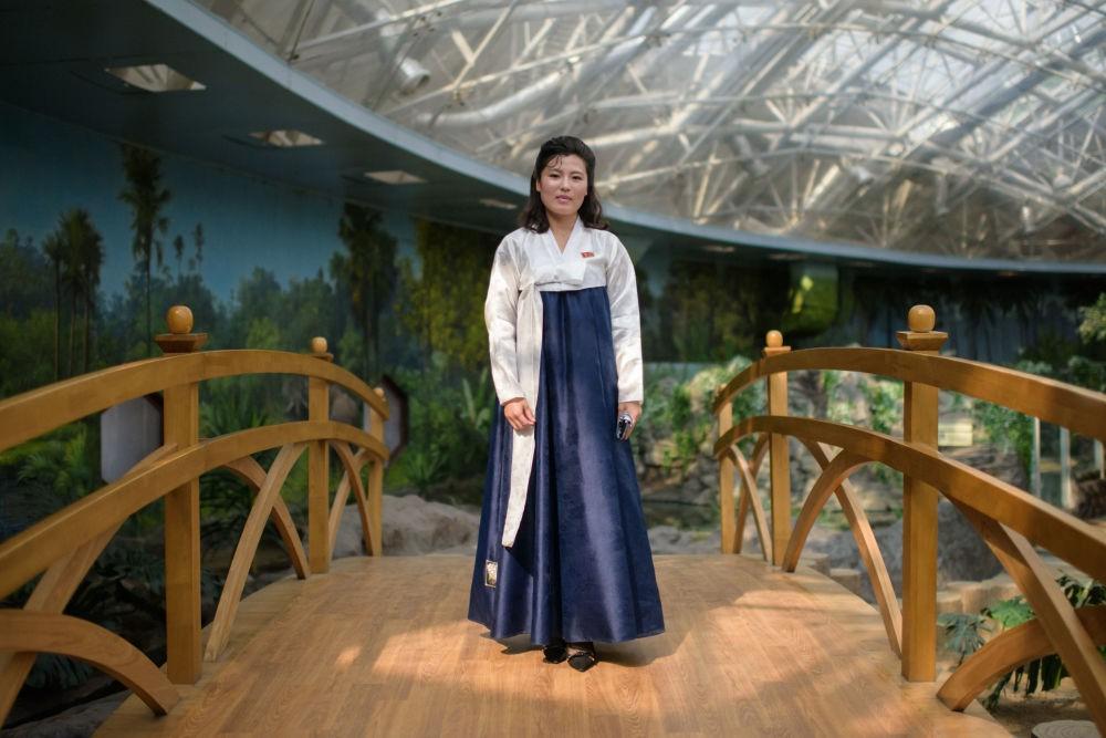 Ngắm vẻ đẹp vừa dịu dàng vừa mạnh mẽ của các bóng hồng Triều Tiên trong những bức ảnh đời thường - Ảnh 5.