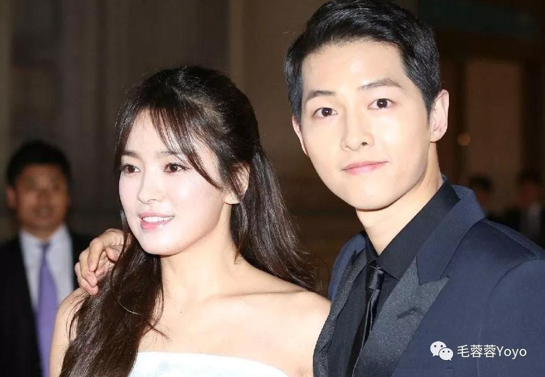 Truyền thông Trung đưa tin Song - Song ly hôn vì Song Joong Ki ngoại tình với chính bạn thân Song Hye Kyo - Ảnh 1.