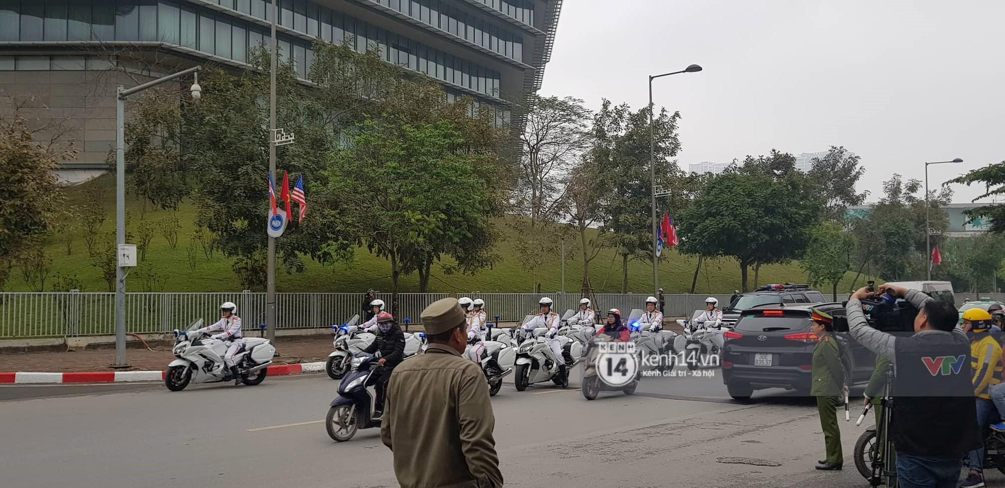 An ninh tại khách sạn Marriott được thắt chặt, TT Trump chuẩn bị lên đường gặp gỡ Tổng bí thư, Chủ tịch nước Nguyễn Phú Trọng - Ảnh 4.