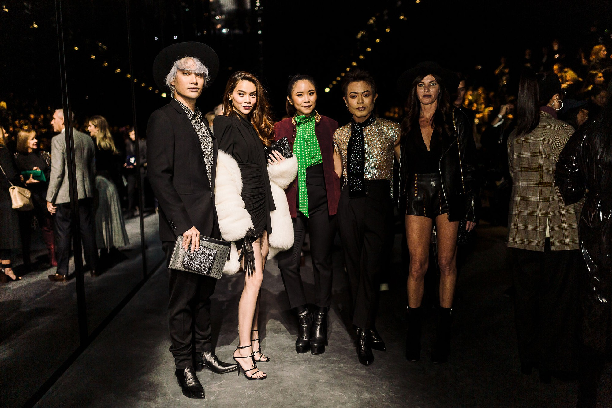 Hà Hồ diện áo lông 300 triệu, sánh đôi cùng Lý Quí Khánh đi dự show Saint Laurent tại Paris Fashion Week - Ảnh 3.