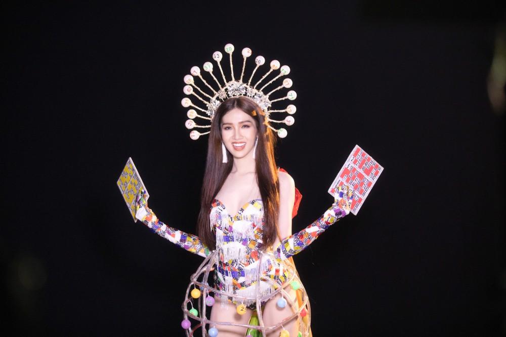 Đại diện Việt Nam có tin vui đầu tiên tại Hoa hậu Chuyển giới Quốc tế, tung trọn quốc phục Lô tô gây tranh cãi! - Ảnh 4.