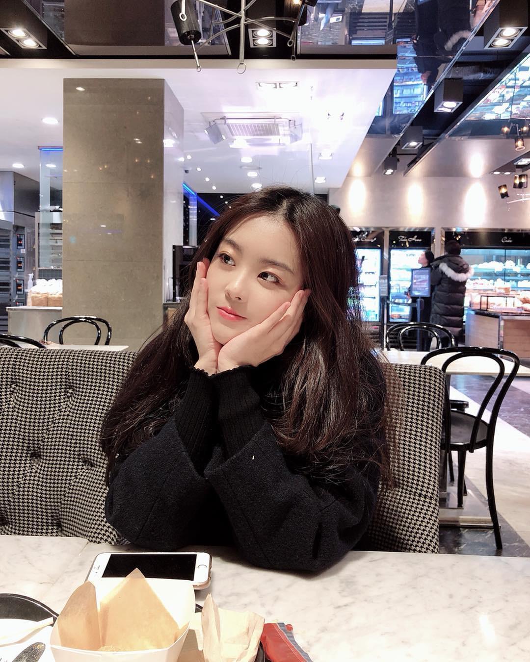 Anh chị em ngoài showbiz của nam, nữ thần châu Á: Người như minh tinh, kẻ kém sắc, khó tin nhất là em Song Joong Ki - Ảnh 16.