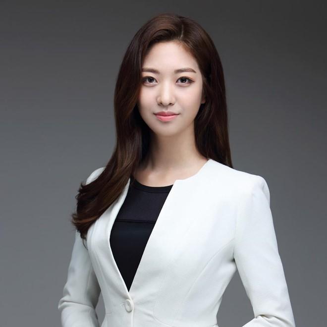 Dàn phóng viên Hàn Quốc và Nhật Bản bỗng dưng nổi tiếng trên mạng xã hội khi tác nghiệp tại hội nghị thượng đỉnh Mỹ - Triều - Ảnh 8.