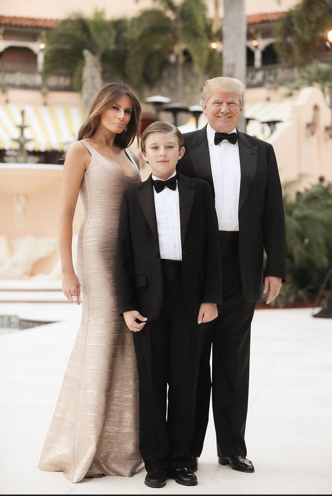 """Đã đẹp trai còn hay mặc suit, hèn gì cậu út nhà Trump đang là """"nam thần"""" được cả thế giới quan tâm - Ảnh 8."""