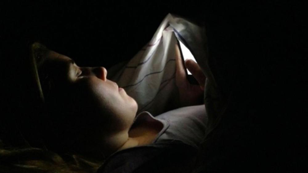 Hàng loạt thói quen xấu mà bạn thường làm trước khi ngủ lại chính là nguyên nhân khiến cân nặng tăng lên vèo vèo - Ảnh 4.