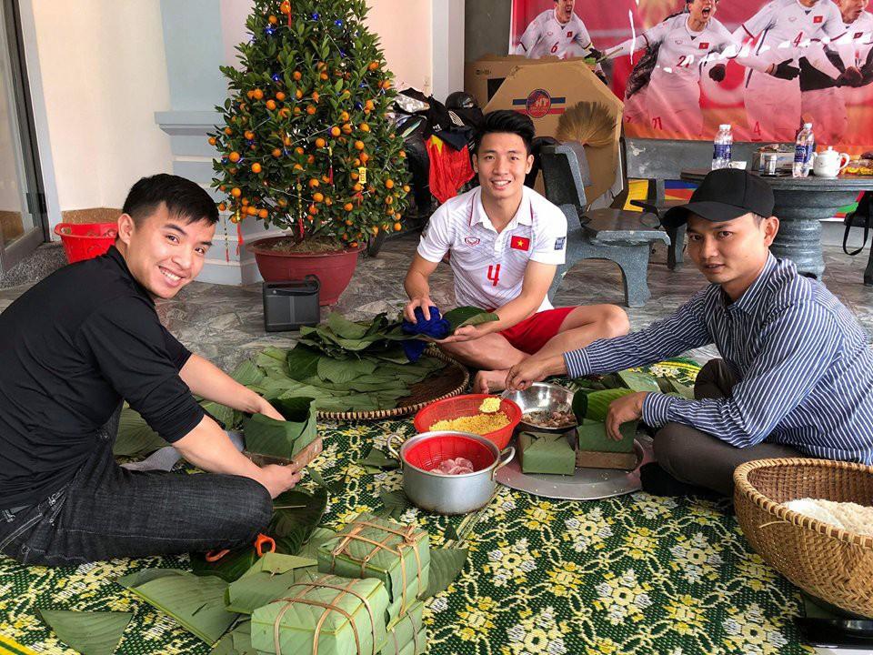 Những lần gói bánh chưng của cầu thủ Việt khiến cư dân mạng phải trầm trồ - Ảnh 4.
