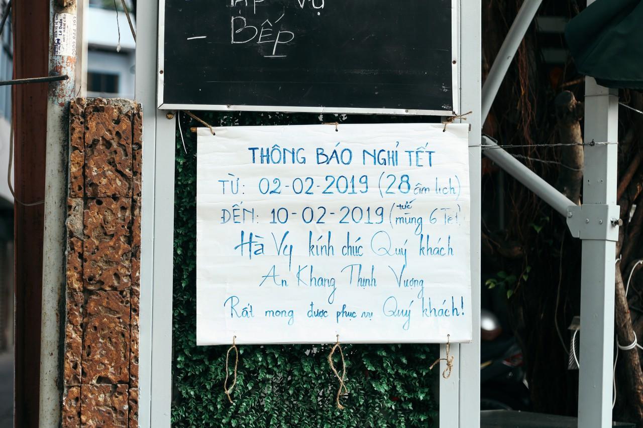 Đây là khoảnh khắc khiến bạn nhận ra Sài Gòn đã chuyển từ đón Tết sang ăn Tết: Quán xá đóng cửa hàng loạt, phố phường bình yên chậm rãi - Ảnh 7.