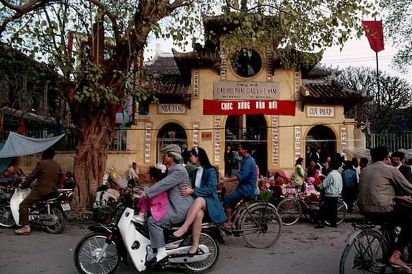 Khám phá Hà Nội ngày Tết những năm 90 qua lăng kính phóng viên nước ngoài - Ảnh 12.