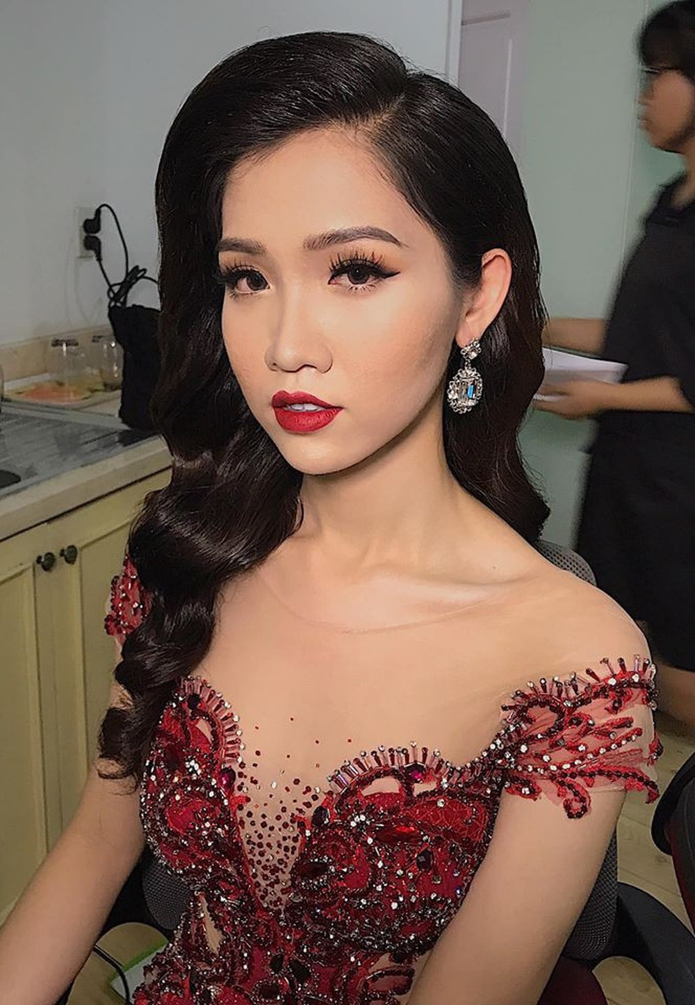 Nhật Hà diện Áo dài, tự tin nói về Tết Việt bằng tiếng Anh trong clip giới thiệu tại Miss International Queen 2019 - Ảnh 4.