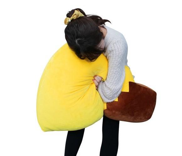 Mùng 1 Tết rồi, giá mà hội F.A có cái đuôi Pikachu khổng lồ này để ôm cho sướng - Ảnh 4.