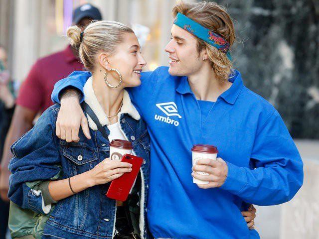 Hạnh phúc mặn nồng của các cặp sao này sẽ giúp bạn thêm tin vào tình yêu và năm mới không còn F.A! - Ảnh 13.