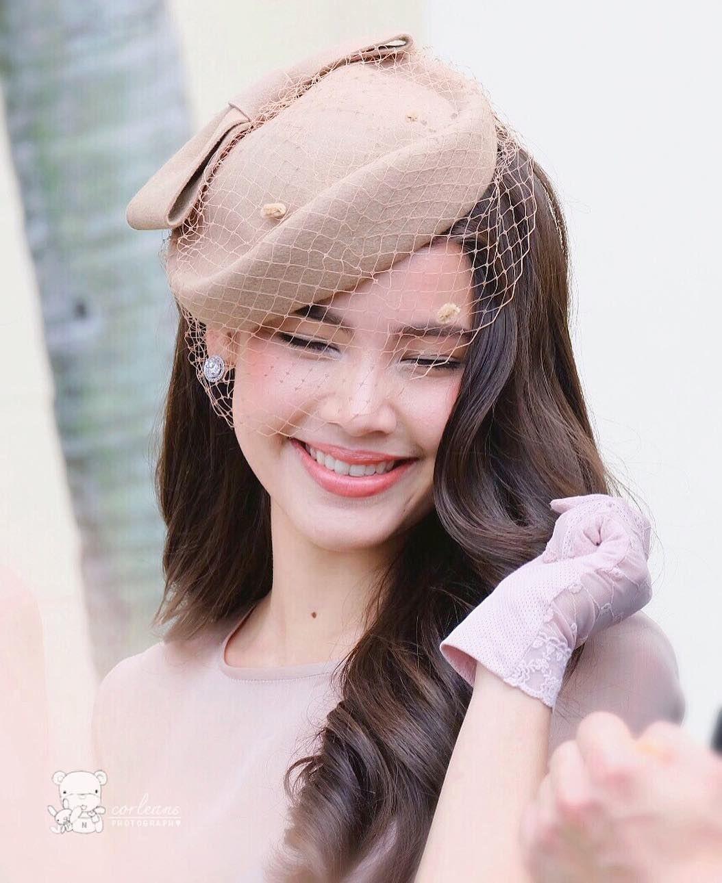 Showbiz Thái toàn các thánh ngoại ngữ: Người nói tận 6 thứ tiếng, Hoa hậu bất ngờ bắn tiếng Việt cực sõi - Ảnh 4.