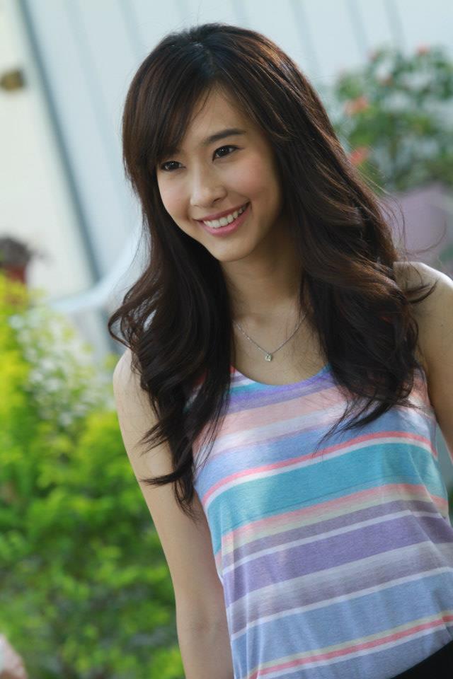 Showbiz Thái toàn các thánh ngoại ngữ: Người nói tận 6 thứ tiếng, Hoa hậu bất ngờ bắn tiếng Việt cực sõi - Ảnh 27.