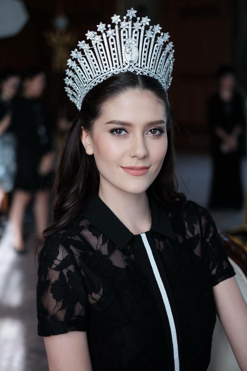 Showbiz Thái toàn các thánh ngoại ngữ: Người nói tận 6 thứ tiếng, Hoa hậu bất ngờ bắn tiếng Việt cực sõi - Ảnh 8.