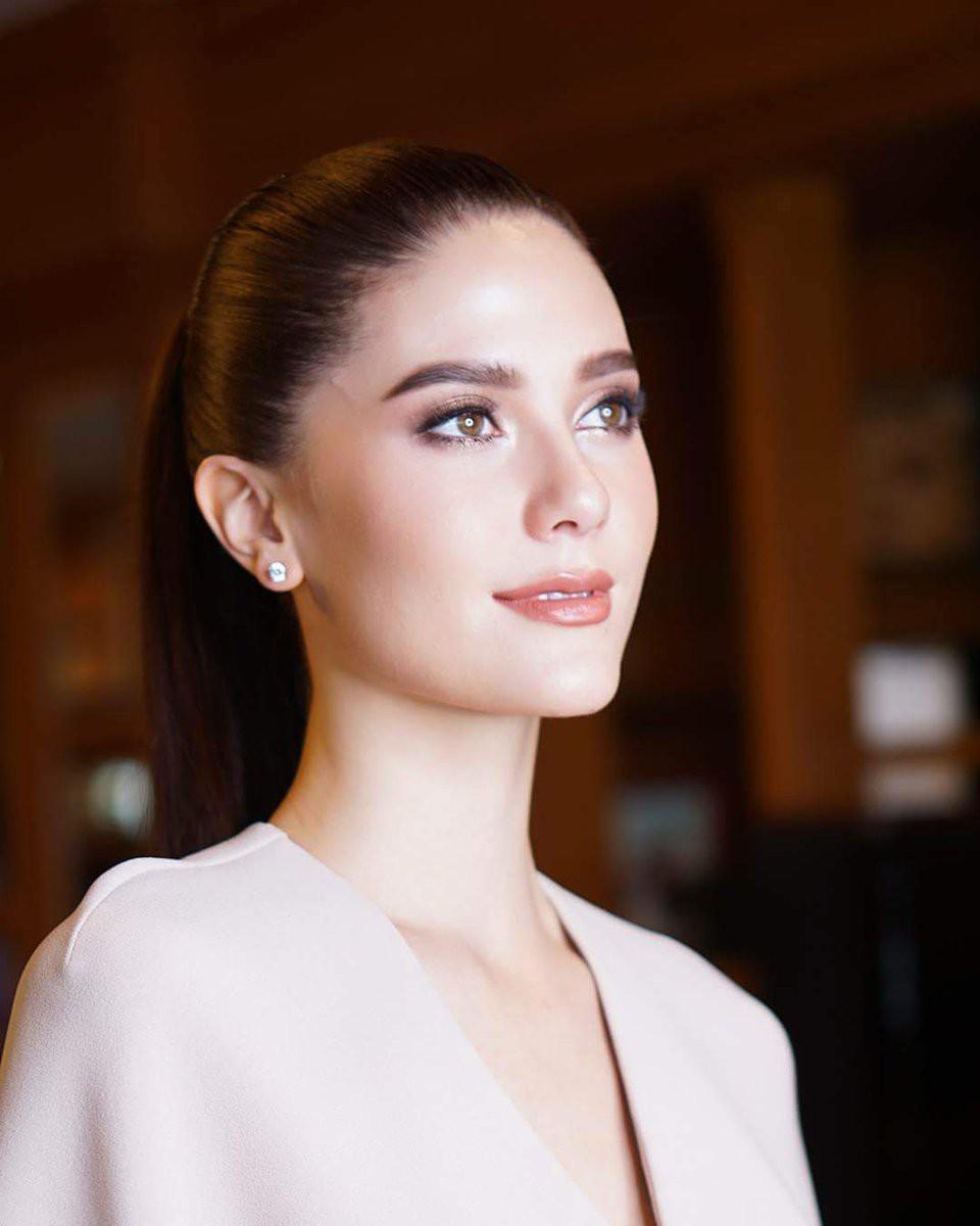Showbiz Thái toàn các thánh ngoại ngữ: Người nói tận 6 thứ tiếng, Hoa hậu bất ngờ bắn tiếng Việt cực sõi - Ảnh 11.
