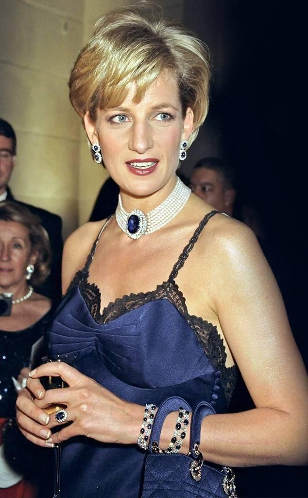 Chiếc đầm sexy nổi tiếng nhất của Công nương Diana đã suýt bị bỏ đi vì lý do chẳng ai ngờ tới, nhưng vô cùng ngọt ngào - Ảnh 3.
