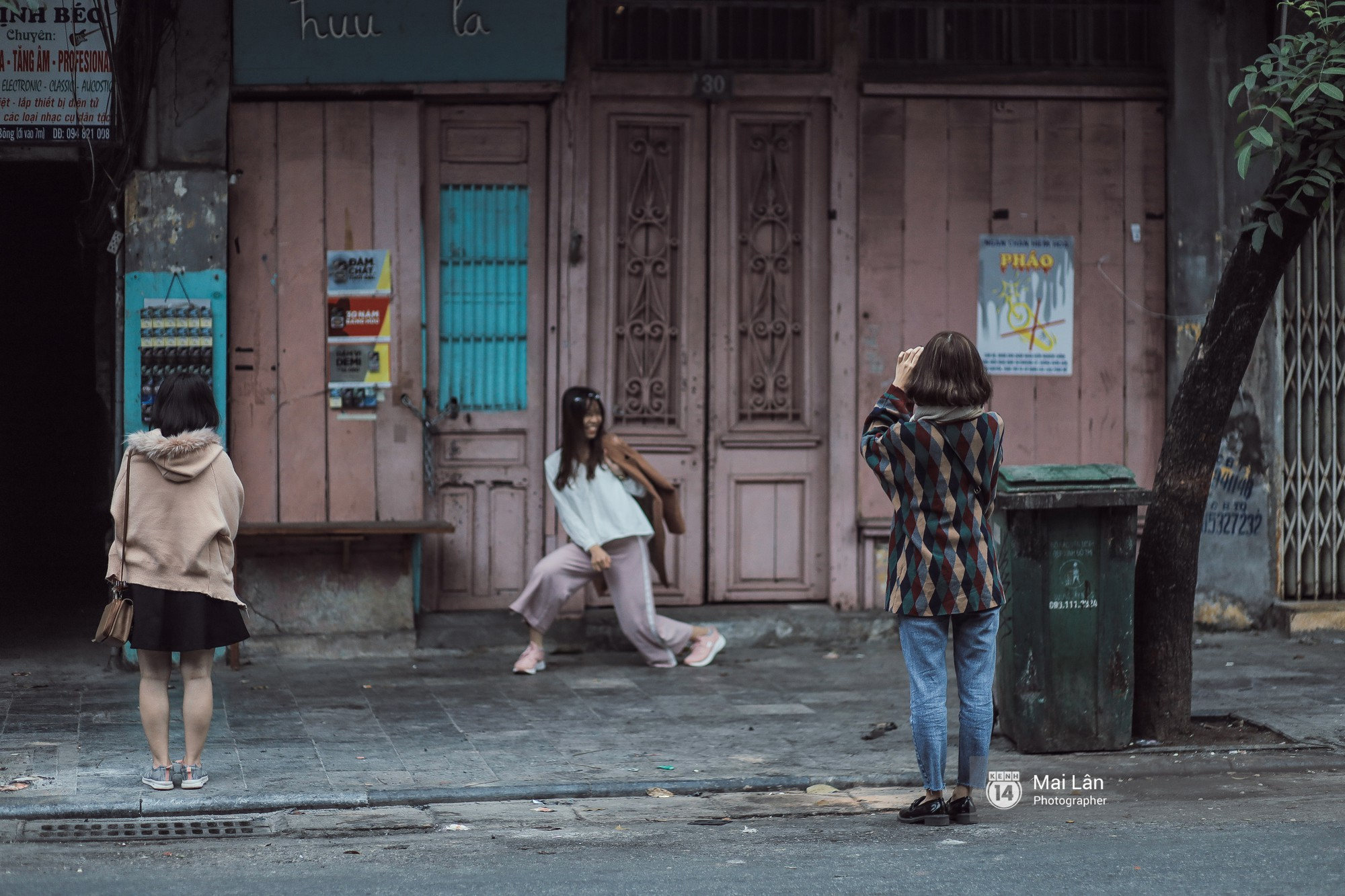Sáng mùng 1 Tết Hà Nội: Vắng thế mà sao yêu thế! - Ảnh 4.