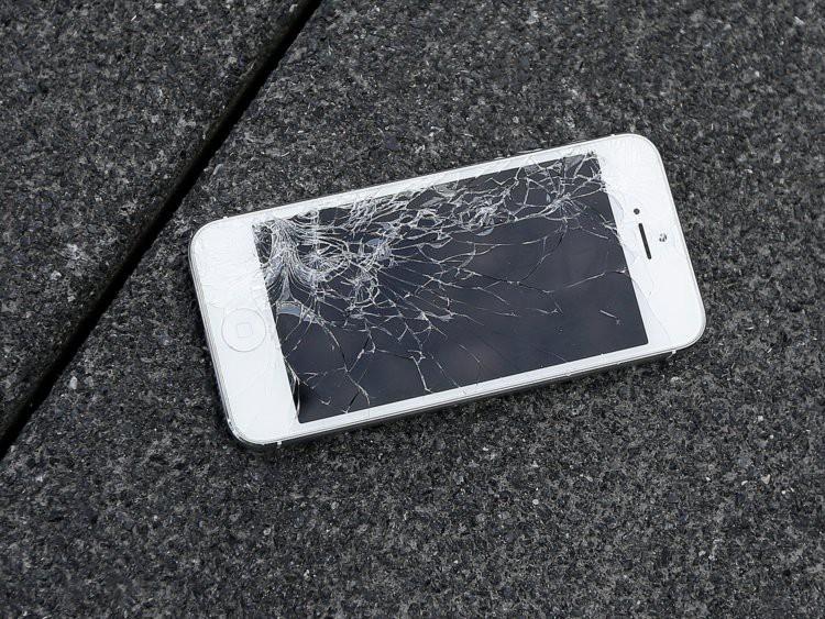 7 nỗi khổ khó nói của hội thích dùng iPhone, lỡ rút ví rồi nên đành cắn răng chấp nhận - Ảnh 1.