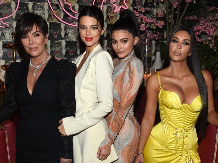 Đổi kiểu tóc mới, Kendall Jenner khiến dân tình sửng sốt vì giống hệt bản sao của một người - Ảnh 4.