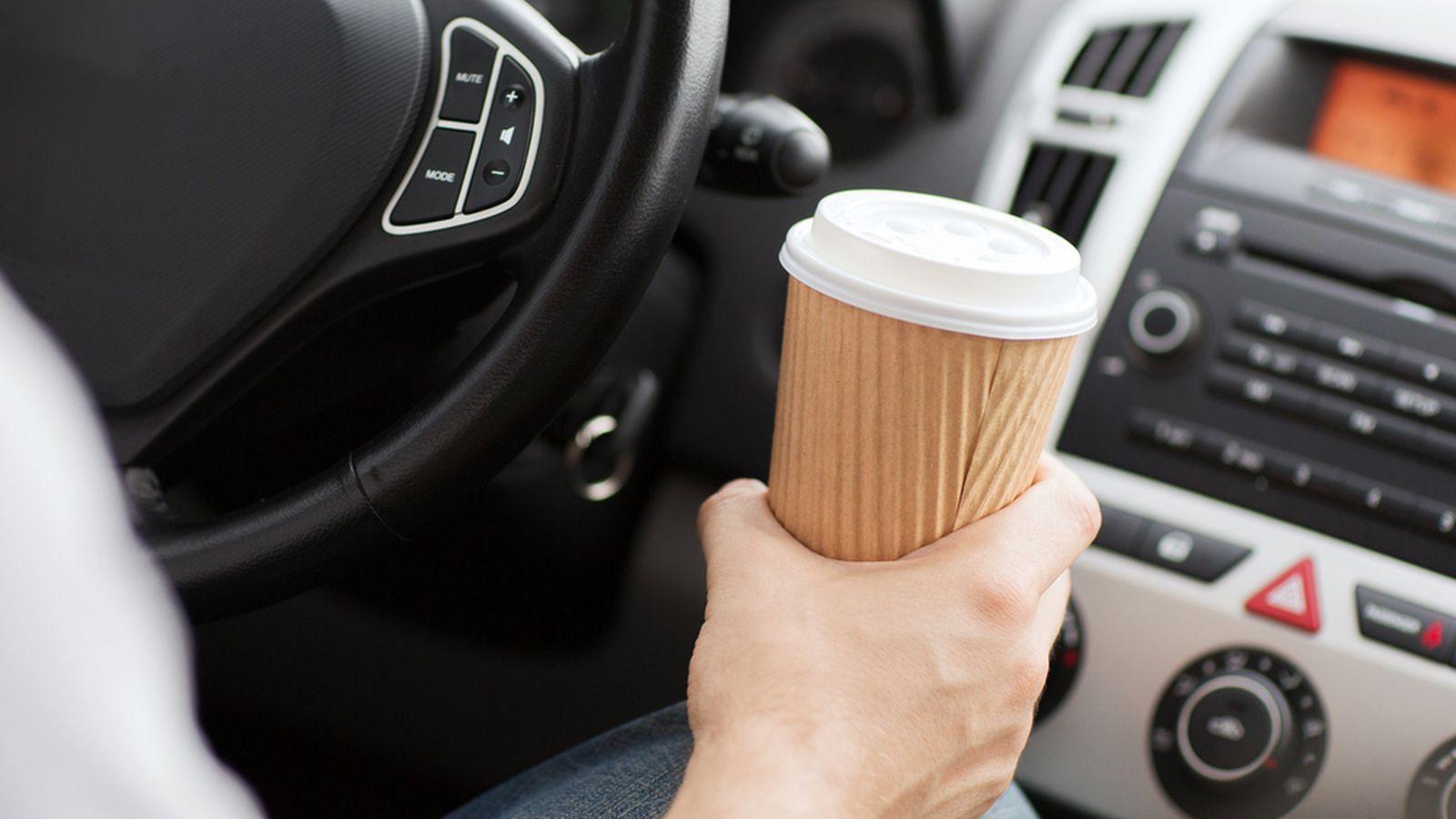 Ám ảnh vì chứng say xe mỗi dịp Tết thì đừng bỏ qua những mẹo khắc phục cực hữu ích này - Ảnh 2.
