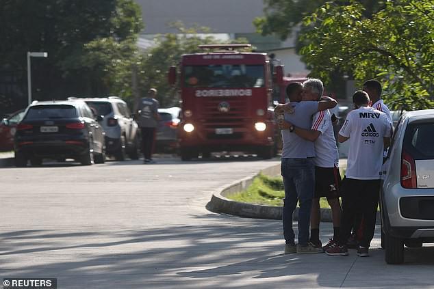 Hỏa hoạn lúc rạng sáng khiến 10 cầu thủ trẻ thiệt mạng ở Brazil - Ảnh 4.