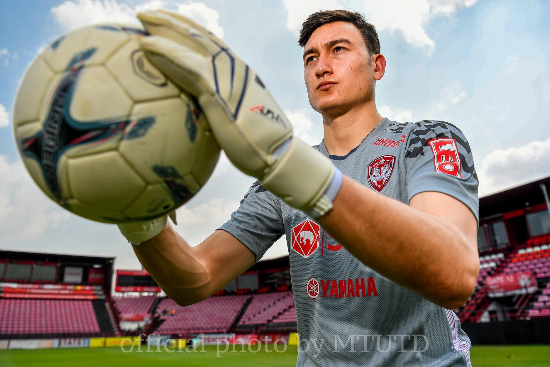 Người đại diện tiết lộ: Suýt chút nữa Muangthong United mua được Văn Lâm với giá rất rẻ - Ảnh 3.