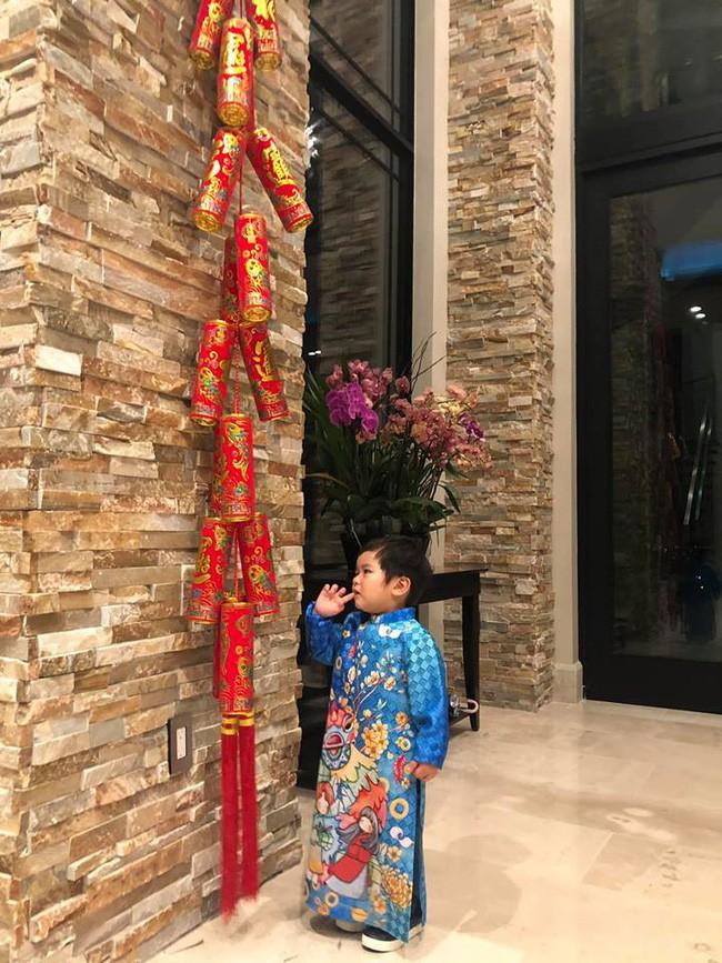 Nào có thua người lớn, nhóc tỳ nhà sao Việt cũng xúng xính diện áo dài, nổi nhất là mẹ con Thu Thảo và Hà Anh - Ảnh 1.