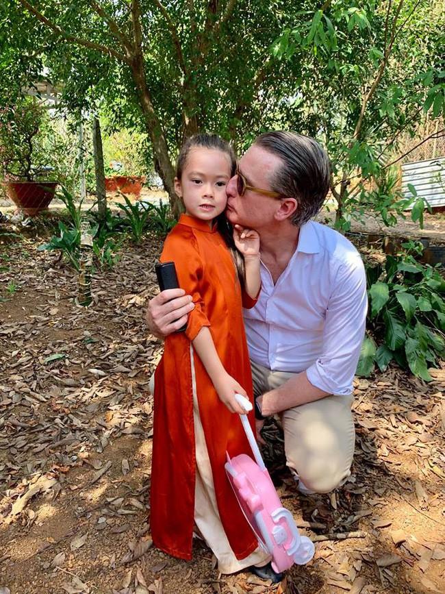 Nào có thua người lớn, nhóc tỳ nhà sao Việt cũng xúng xính diện áo dài, nổi nhất là mẹ con Thu Thảo và Hà Anh - Ảnh 15.