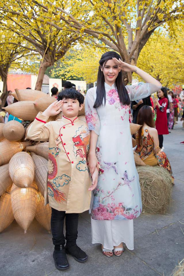 Nào có thua người lớn, nhóc tỳ nhà sao Việt cũng xúng xính diện áo dài, nổi nhất là mẹ con Thu Thảo và Hà Anh - Ảnh 5.