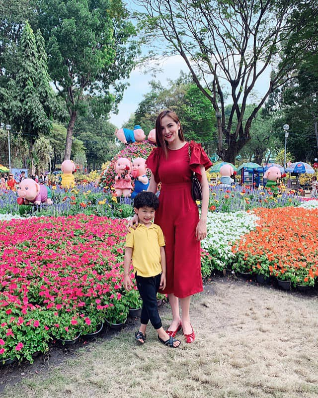 Nào có thua người lớn, nhóc tỳ nhà sao Việt cũng xúng xính diện áo dài, nổi nhất là mẹ con Thu Thảo và Hà Anh - Ảnh 10.