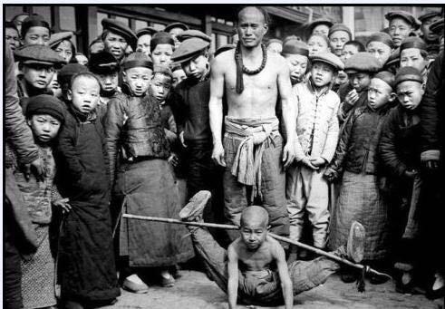 Ảnh hiếm về khung cảnh đón Tết của người Trung Quốc dưới thời nhà Thanh hàng trăm năm trước - Ảnh 7.