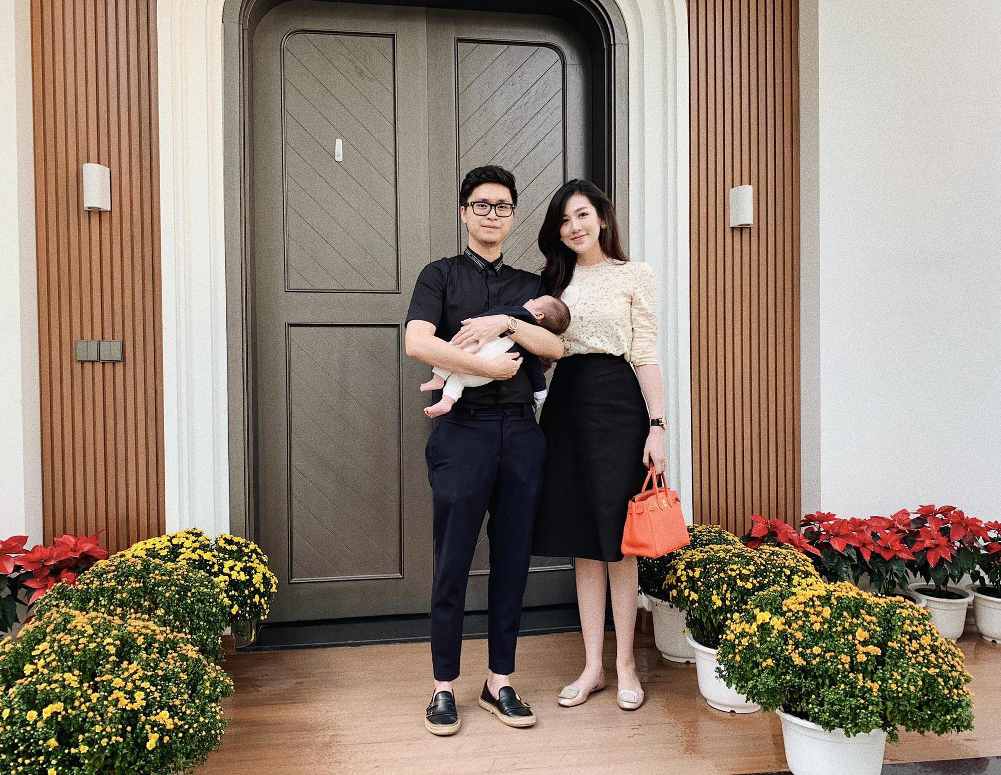 Tết đầu tiên bên gia đình chồng của mỹ nhân Việt: Người chứng minh đúng chuẩn vợ hiền dâu thảo, người xúng xính áo quần cùng chồng đi du xuân - Ảnh 6.
