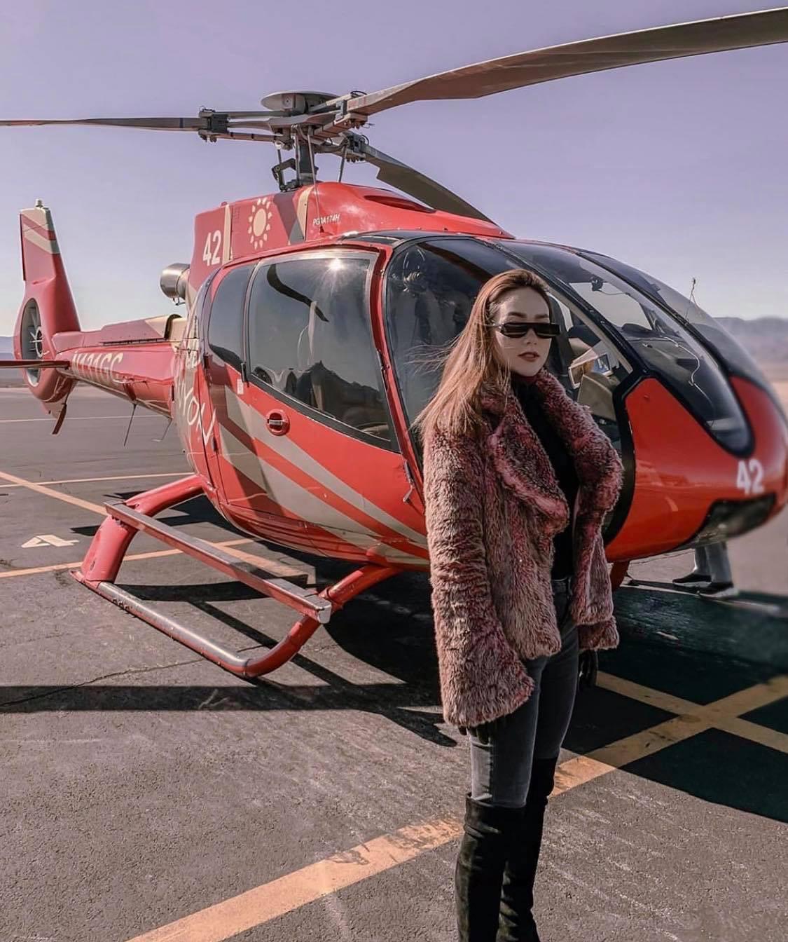 Mỹ nhân Vbiz vi vu Tết Kỷ Hợi: Minh Hằng khá phá Las Vegas bằng trực thăng, Đông Nhi tránh nóng ở Nhật - Ảnh 4.