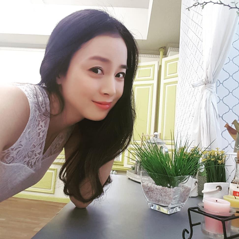 Khi nam thần nữ thần xứ Hàn selfie tệ đến mức khó đỡ nhưng không hiểu sao vẫn... đẹp bất ngờ - Ảnh 11.
