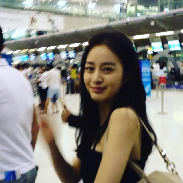 Khi nam thần nữ thần xứ Hàn selfie tệ đến mức khó đỡ nhưng không hiểu sao vẫn... đẹp bất ngờ - Ảnh 13.
