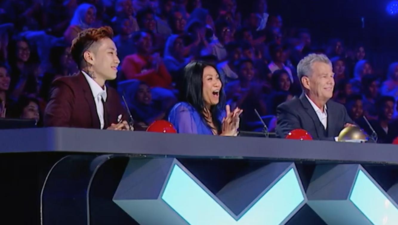 Cặp đôi nhí Việt Nam khiến các giám khảo Asias Got Talent cười tít mắt vì quá đáng yêu - Ảnh 6.