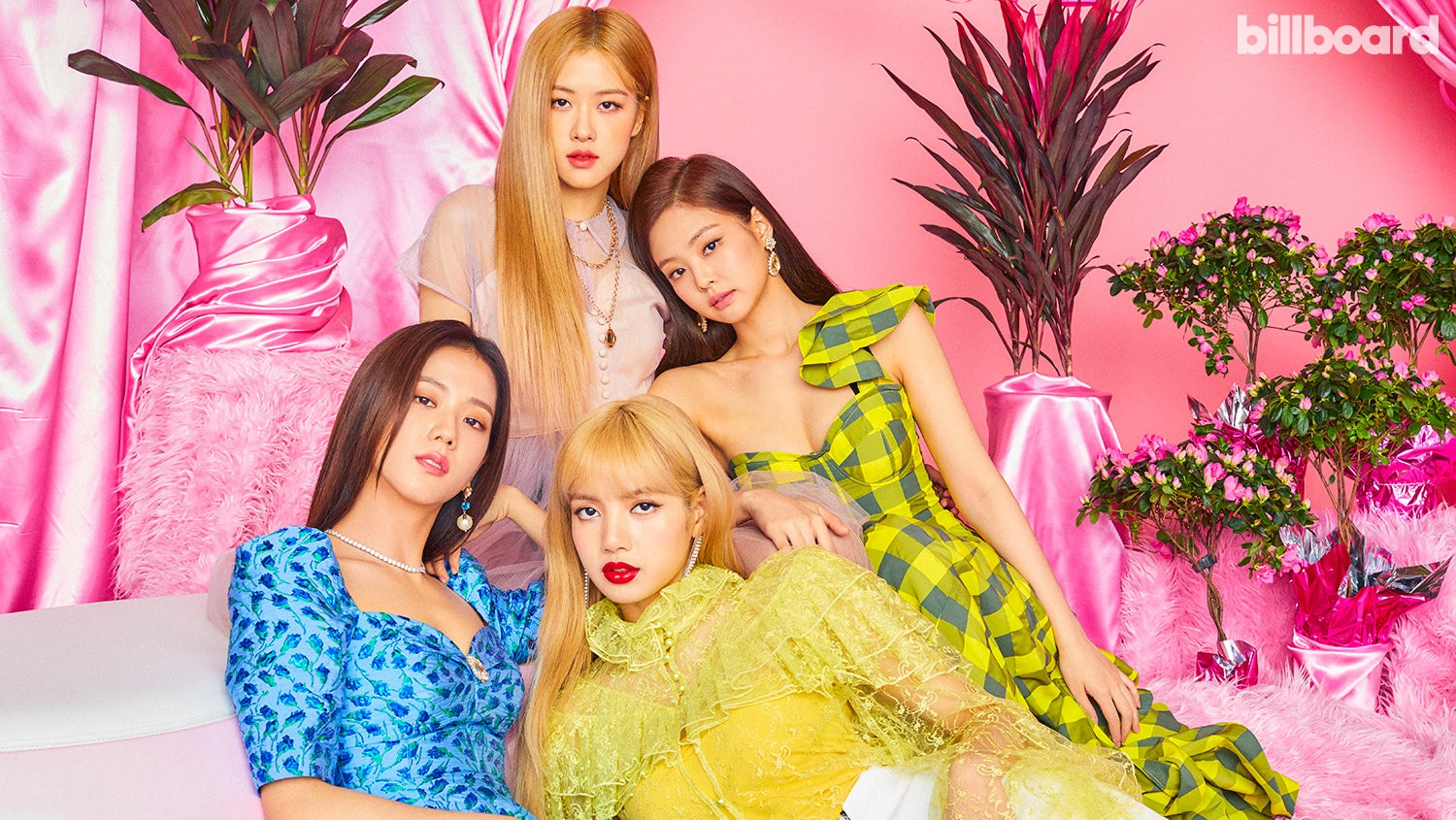 Black Pink was the first female Kpop girl to cover Billboard magazine's cover: beauty and charisma peak here! - Photo 2
