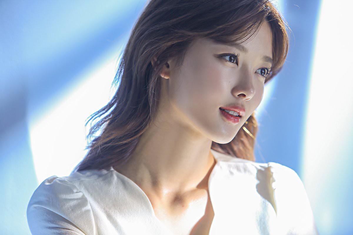 Kim Yoo Jung 20 tuổi xinh đẹp đến nữ thần cũng phải kiêng dè- Ảnh 4.