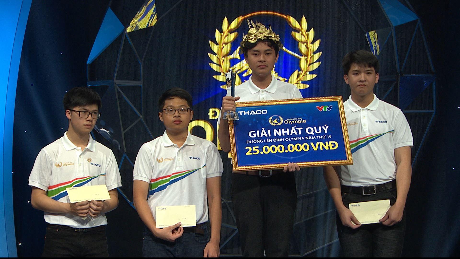 Chủ quan tại phần thi Về đích, hot boy Nghệ An khiến khán giả bật khóc nức nở vì tuột mất cơ hội vào Chung kết năm Olympia 2019 - Ảnh 3.