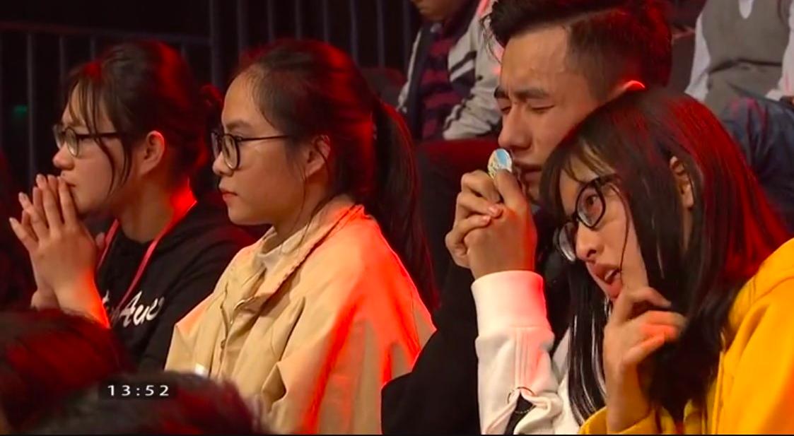 Chủ quan tại phần thi Về đích, hot boy Nghệ An khiến khán giả bật khóc nức nở vì tuột mất cơ hội vào Chung kết năm Olympia 2019 - Ảnh 4.