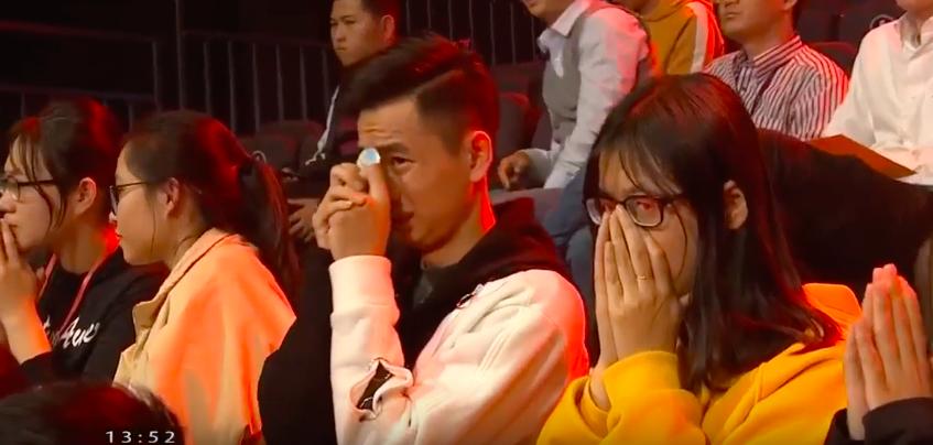 Chủ quan tại phần thi Về đích, hot boy Nghệ An khiến khán giả bật khóc nức nở vì tuột mất cơ hội vào Chung kết năm Olympia 2019 - Ảnh 5.