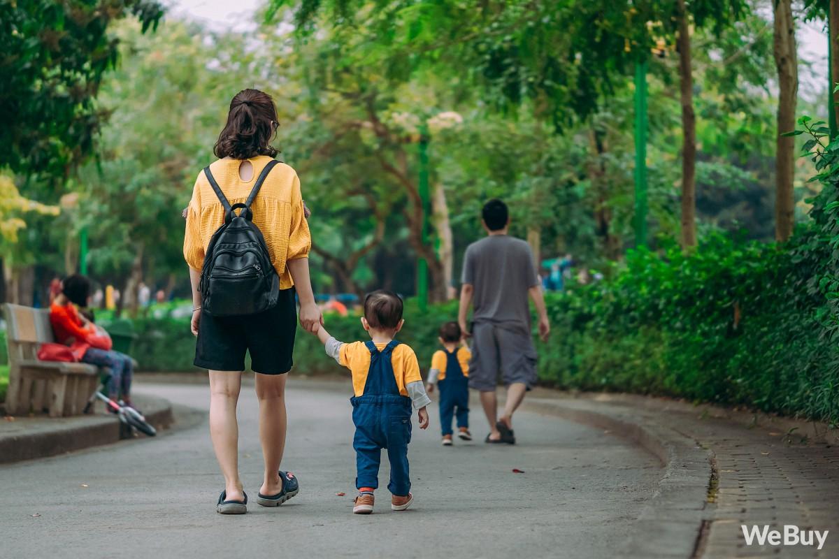 Những bà mẹ bị hội chứng mất não sau sinh nhất định phải thử qua sợi dây chống lạc con nơi công cộng này - Ảnh 6.
