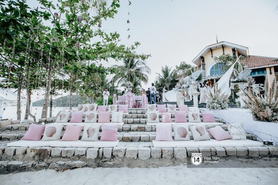 Chùm ảnh: Những khoảnh khắc ấn tượng nhất trong hôn lễ chính thức của cặp đôi tỷ phú Ấn Độ bên bờ biển Phú Quốc - Ảnh 5.