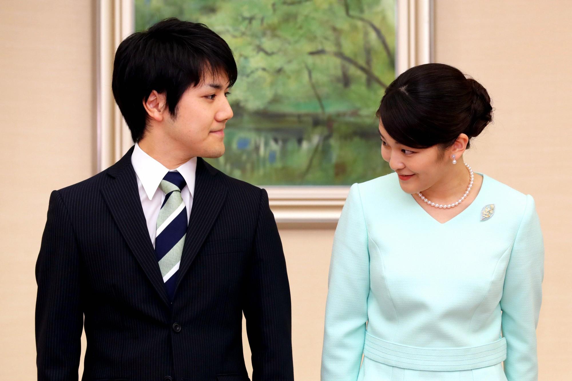 Mako nàng công chúa Nhật Bản: Rời hoàng tộc vì tình yêu, chấp nhận chờ hoàng tử trả nợ xong mới cưới - Ảnh 10.