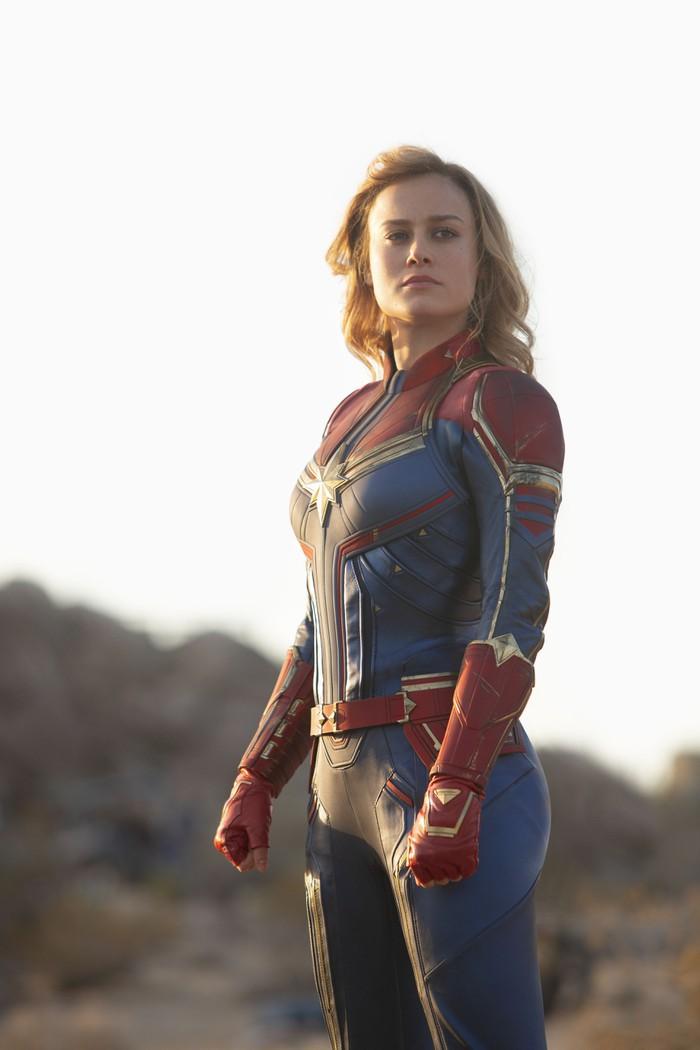 Có ai nhận ra ngày Captain Marvel trở về trái đất, chị đại bỗng được mông má xinh hơn hẳn? - Ảnh 6.