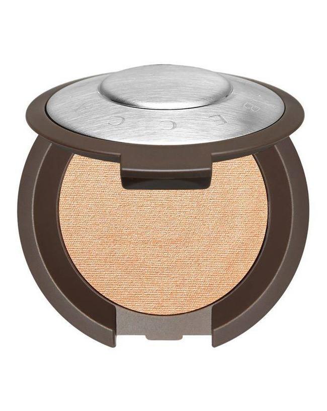 """""""Gia tài"""" đồ makeup của quý cô công sở chỉ cần như túi trang điểm gọn nhẹ của nàng BTV làm đẹp này là quá ổn - Ảnh 11."""