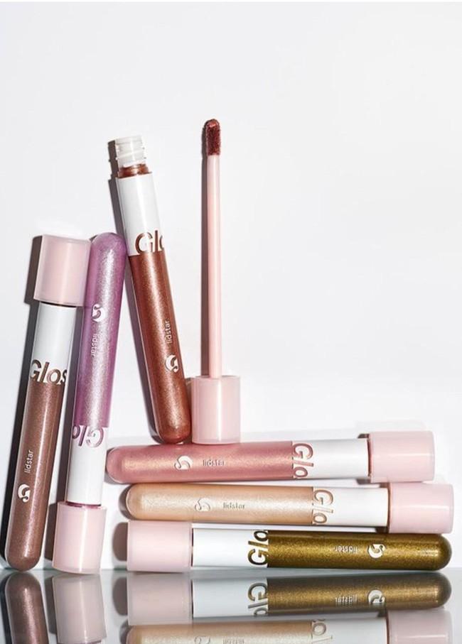 """""""Gia tài"""" đồ makeup của quý cô công sở chỉ cần như túi trang điểm gọn nhẹ của nàng BTV làm đẹp này là quá ổn - Ảnh 7."""