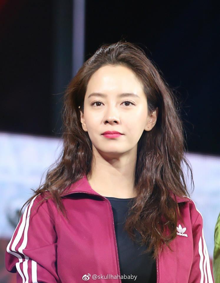 Lâu lắm rồi mới thấy Song Ji Hyo có một kiểu tóc gây thương nhớ như thế này! - Ảnh 5.