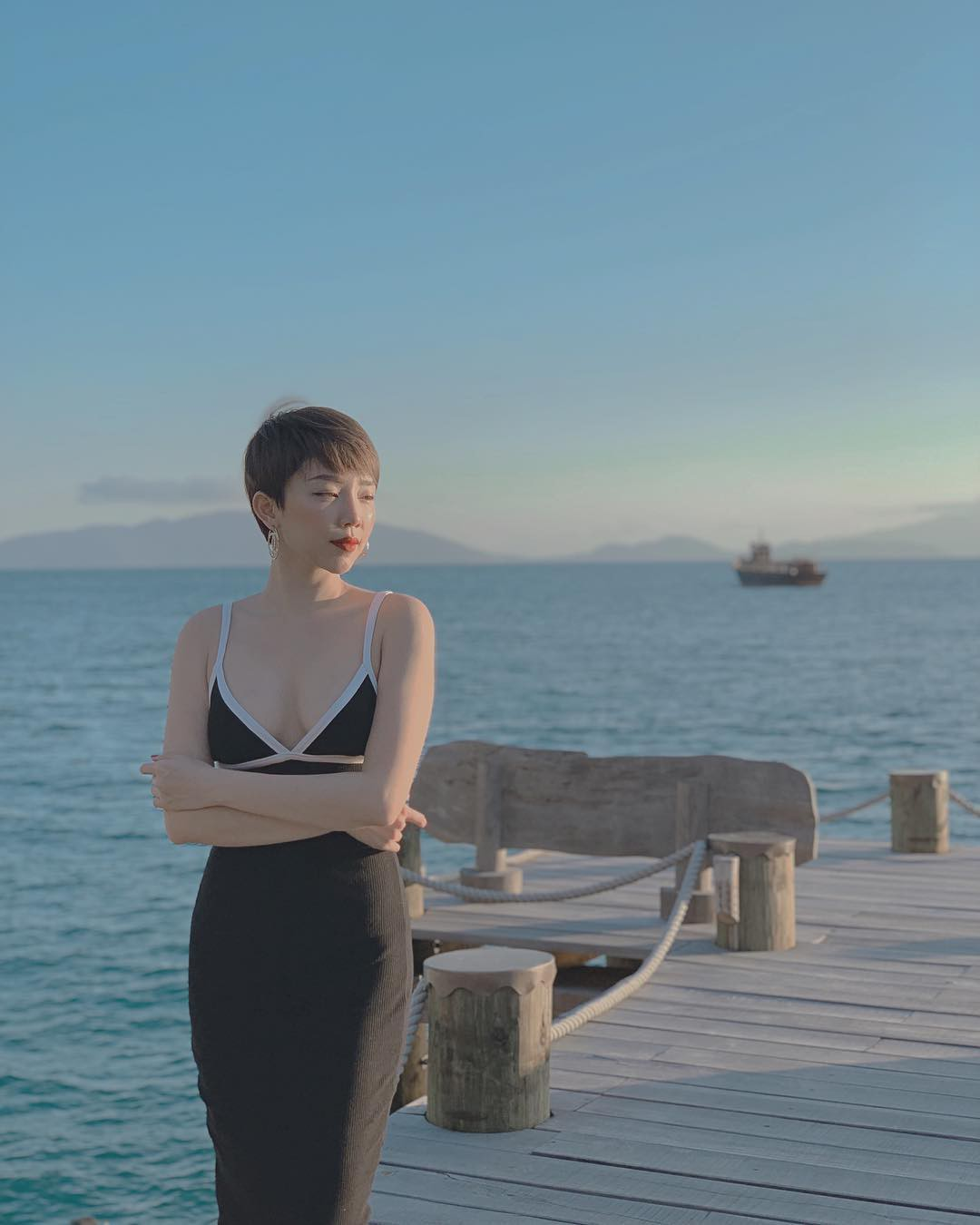 Cứ tưởng là nước ngoài nhưng hoá ra thiên đường trong vắt mà Tóc Tiên vừa check-in lại ở Việt Nam - Ảnh 4.